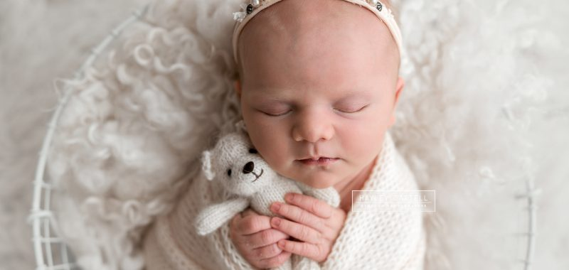 Professional Newborn Photographer Sheffield - Halle Grace